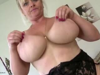 Les seins de Torrie